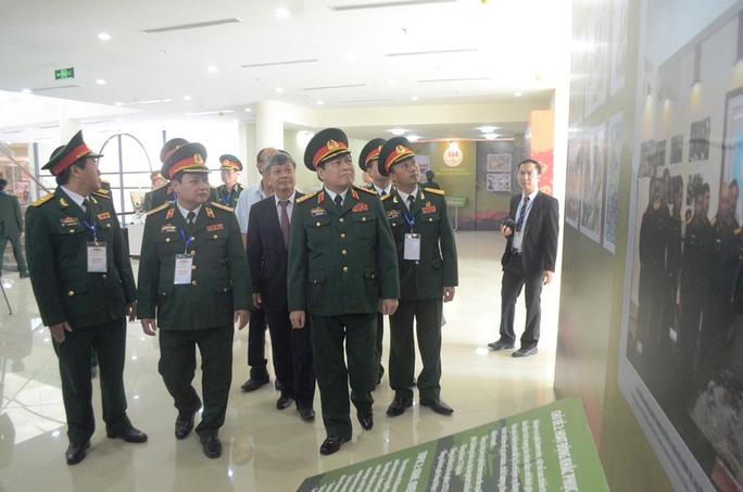 Bộ trưởng Bộ Quốc phòng Ngô Xuân Lịch thăm VNMAC