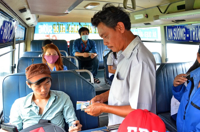 Tiền trợ giá xe buýt tăng nhưng lượng hành khách đang giảm Ảnh: Tấn Thạnh