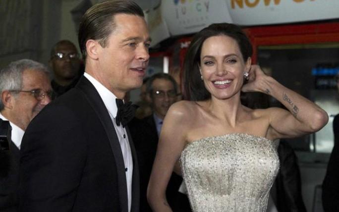 Angelina Jolie và Brad thuở mặn nồng