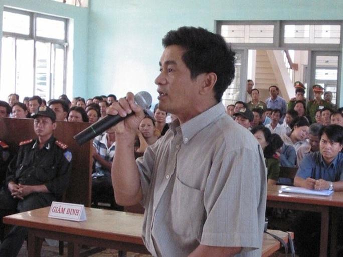 Ông Cao Văn Hùng tại một phiên tòa xét xử vụ án Huỳnh Văn Nén