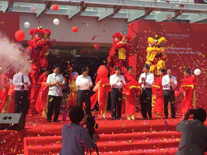 Cắt băng khai trương Vincom Plaza Trần Phú - Bạc Liêu