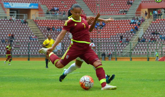 Daniuska Rodriguez, cầu thủ nữ duy nhất góp mặt