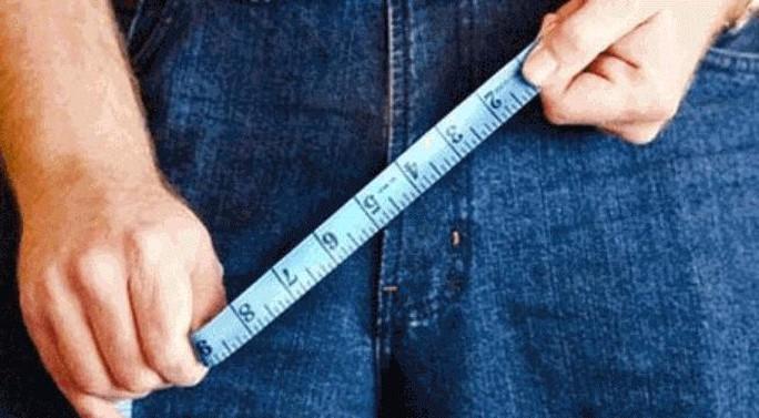 """Kích thước trung bình """"cậu nhỏ"""" của đàn ông Việt Nam khi đang xìu là 6,5 cm, còn khi cương là 12,9 cm"""