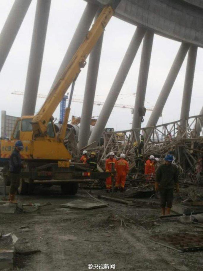 Hiện trường vụ tai nạn. Ảnh: Weibo, CNTV