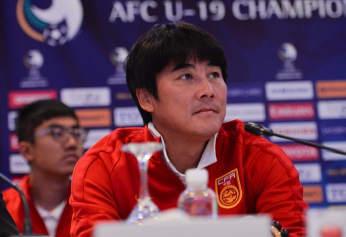 HLV Li Ming khiến CĐV Trung Quốc thất vọng khi cho rằng đội nhà kém xa trình độ so với các đội trong bảng D