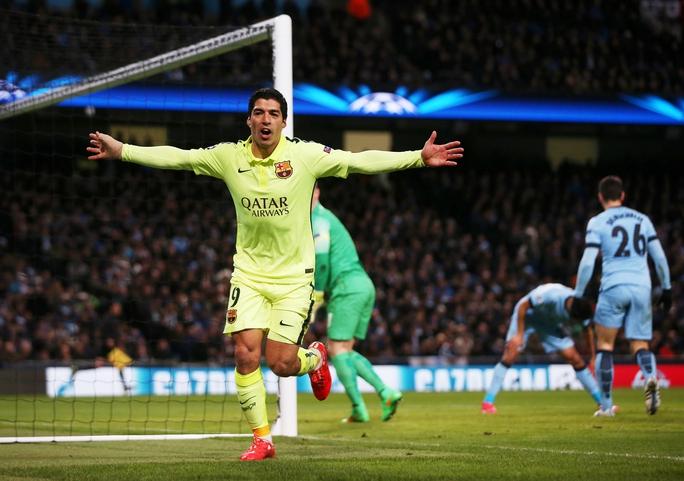 Suarez ma mãnh sẽ là hiểm họa cho hàng thủ Man CityẢnh: REUTERS