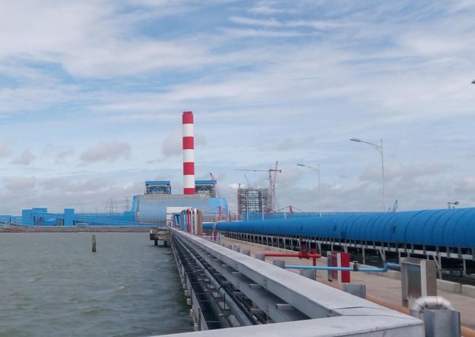 Nhà máy nhiệt điện than sẽ ảnh hưởng lớn đến môi trường và sức khỏe cộng đồng dân cư. Trong ảnh: Trung tâm nhiệt điện Duyên Hải - Trà VinhẢnh: Lê Oanh