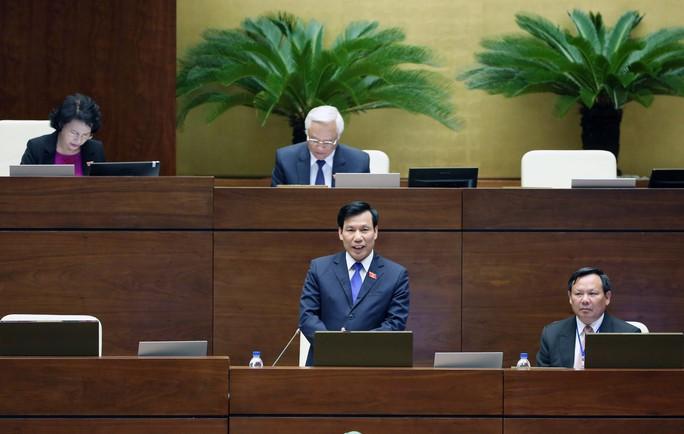 Bộ trưởng Bộ Văn hóa - Thể thao và Du lịch Nguyễn Ngọc Thiện tiếp thu ý kiến thảo luận của đại biểu Quốc hội về dự thảo Luật Du lịch (sửa đổi) Ảnh: NGUYỄN NAM