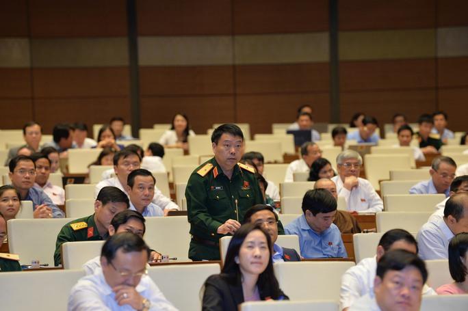Phó Tư lệnh Quân khu 2, Thiếu tướng Sùng Thìn Cò (Hà Giang) cho rằng vấn đề bầu trời đang rất bức xúcẢnh: NGUYỄN NAM