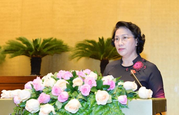 Chủ tịch Quốc hội Nguyễn Thị Kim Ngân phát biểu tại phiên họp bế mạc kỳ họp thứ 2 Quốc hội khóa XIV Ảnh: NGUYỄN NAM