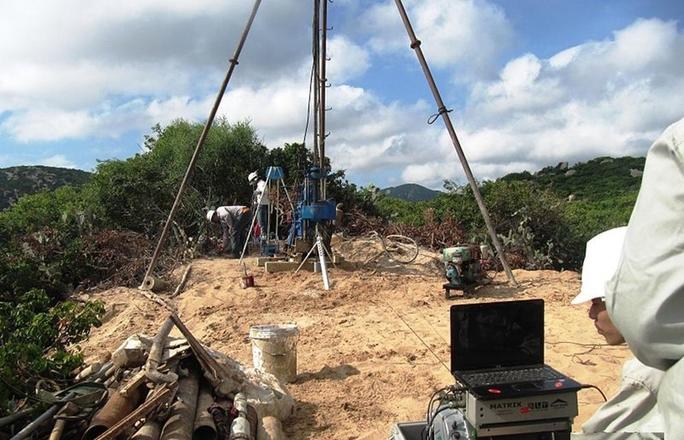 Khảo sát địa chất ở khu vực dự kiến xây dựng Nhà máy Điện hạt nhân ở xã Vĩnh Hải, huyện Ninh Hải, tỉnh Ninh Thuận. Ảnh: Wikipedia
