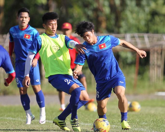 Công Phượng nhiều khả năng được đá chính trong trận gặp Campuchia để tìm lại cảm giác bóng tốt nhất Ảnh: Ngọc Linh