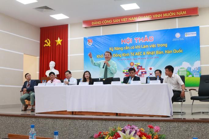 """Ông Trần Anh Tuấn: """"Trình độ ngoại ngữ của nhiều người lao động đi làm việc ở nước ngoài chỉ ở mức mình nói, mình hiểu"""""""