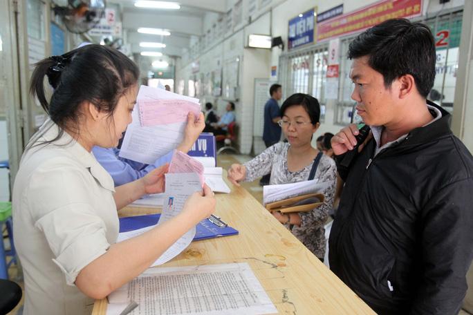 Người dân khám chữa bệnh BHYT tại Bệnh viện Đa khoa Sài Gòn Ảnh: Hoàng Triều