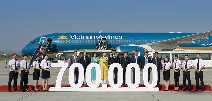 Vietnam Airlines đón hành khách thứ 20 triệu của năm 2016