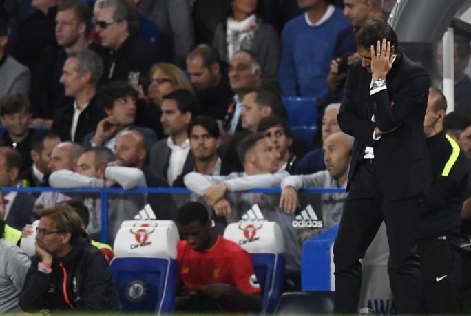 HLV Conte thất vọng với màn trình diễn của học trò trước Liverpool