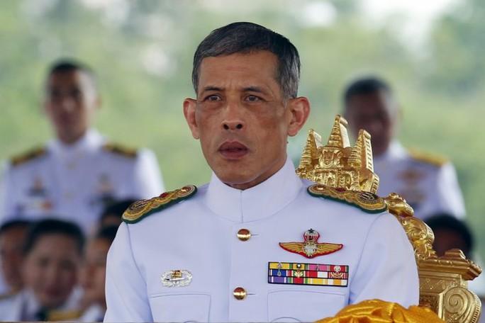 Thái tử Maha Vajiralongkorn là người được chỉ định thừa kế ngai vàng từ năm 1972. Ảnh: Reuters