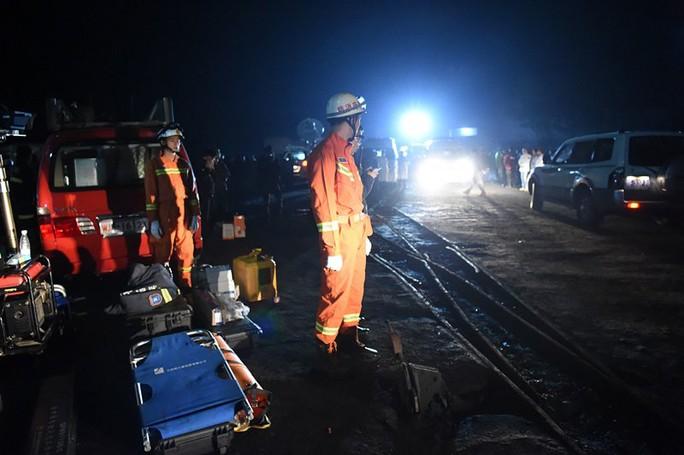 Lực lượng cứu hộ đang cố xác định vị trí các thợ mỏ mất tích để cứu họ. Ảnh: Twitter