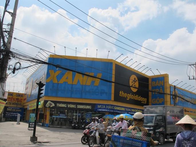 Điện Máy Xanh đường Hòa Bình (quận Tân Phú, TP HCM), nơi xảy ra vụ trộm tiền