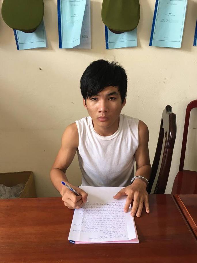 Nguyễn Thanh Hội tại cơ quan công an