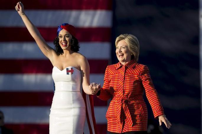 Katy Perry vẫn chưa thể nguôi ngoai