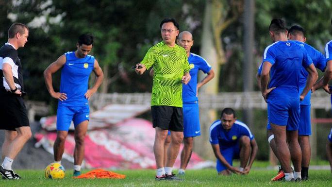 HLV Ong Kim Swee của Malaysia dặn dò học trò trước trận gặp Việt Nam