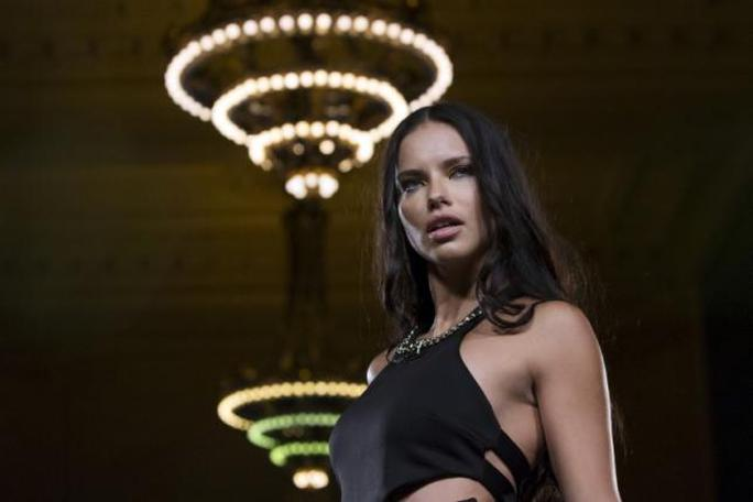 Siêu mẫu Adriana Lima