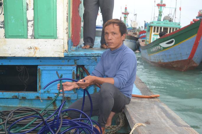 Dụng cụ phục vụ đánh bắt cá bị cắt đứt