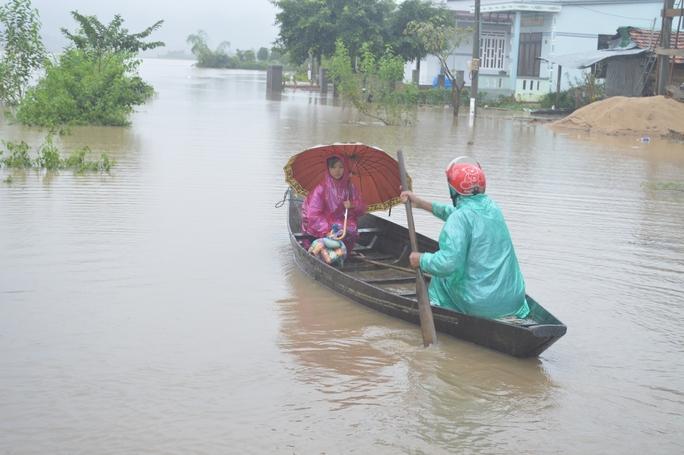 Mưa lớn 3 ngày qua đã khiến nhiều khu vực dân cư trên địa bàn tỉnh Đắk Lắk bị cô lập