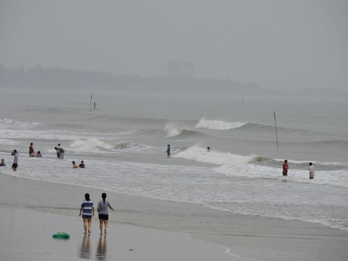 Đã xuất hiện nhiều cột sóng lớn