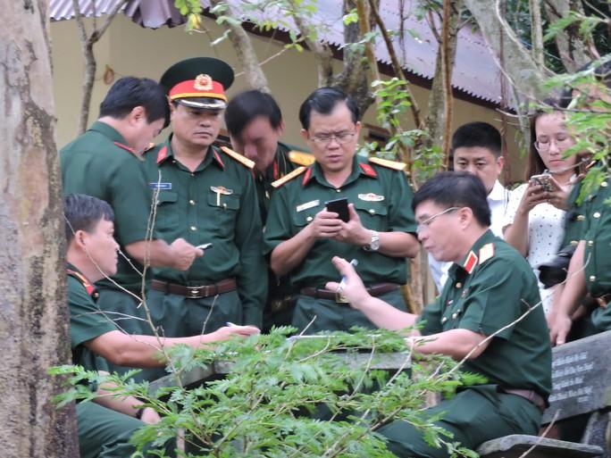 Thượng tướng Võ Văn Tuấn, Phó tổng Tham mưu trưởng Quân đội nhân dân Việt Nam đã tới Thiền viện Viên Không trực tiếp chỉ đạo tìm kiếm