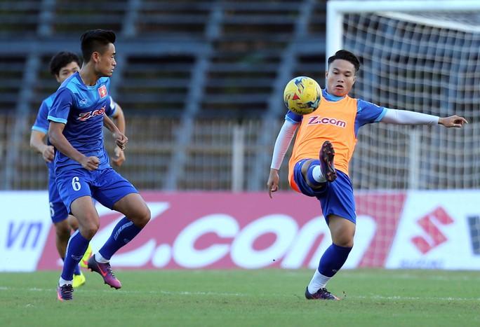 Phi Sơn khó cạnh tranh được chỗ đứng ở tuyển Việt Nam ở chiến dịch dự AFF Suzuki Cup lần này