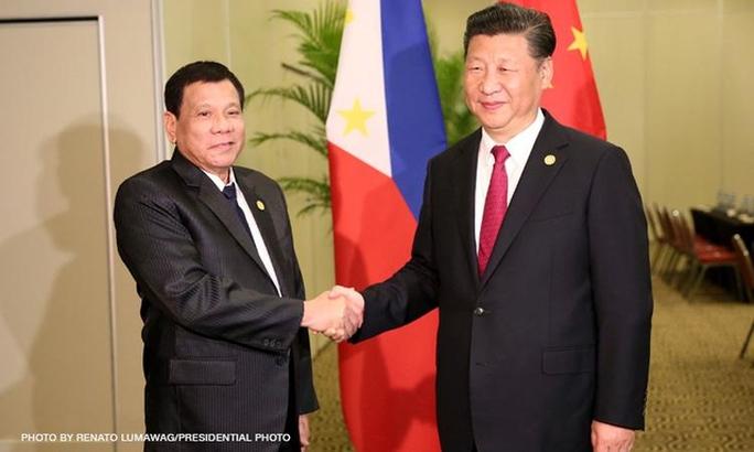 Tổng thống Rodrigo Duterte đã đề cập với Chủ tịch Trung Quốc Tập Cận Bình về việc tuyên bố bãi cạn Scarborough thành khu bảo tồn biển. Ảnh: Presidential Photo