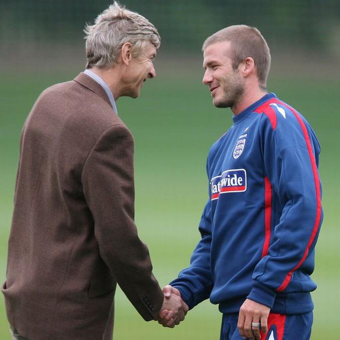 Wenger nhờ đến kinh nghiệm vượt qua khủng hoảng của Beckham
