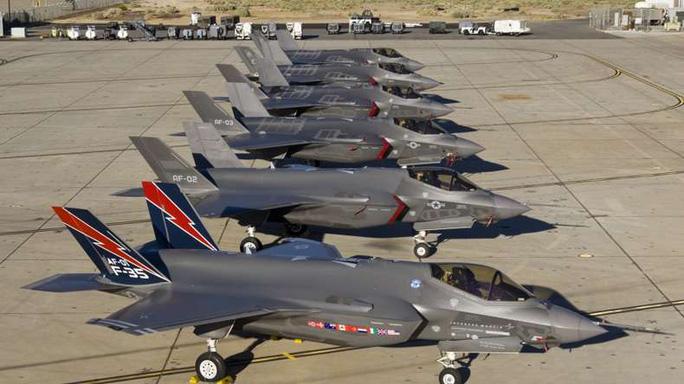 """F-35A (""""Tia chớp"""") là phiên bản dành cho Không quân Mỹ Ảnh: NEWSX"""