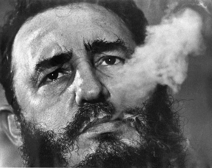 Ông Fidel Castro tại dinh chủ tịch năm 1985. Ảnh: AP
