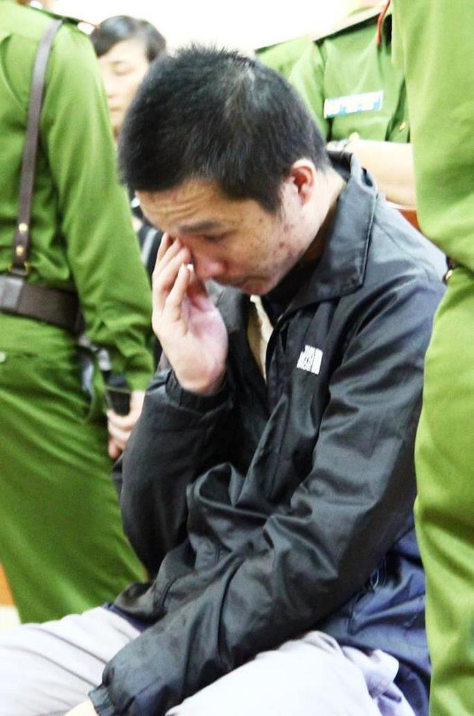 Lần đầu tiên người ta thấy Huy rơi nước mắt