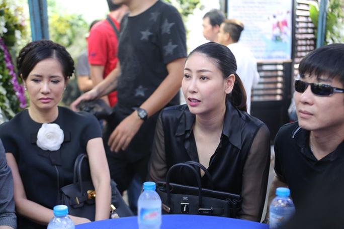 Ca sĩ Hồng Nhung- Hoa hậu Hà Kiều Anh