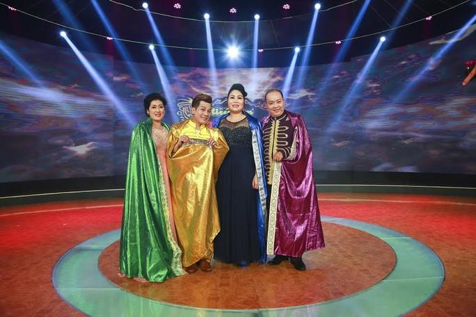 Ban giám khảo của Tiếu lâm tứ trụ : Thanh Thủy, Minh Nhí, Hồng Vân, Đức Hải