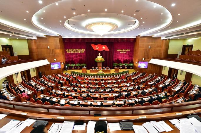 Hội nghị Trung ương Đảng lần thứ 4 xem xét và quyết định nhiều vấn đề quan trọng