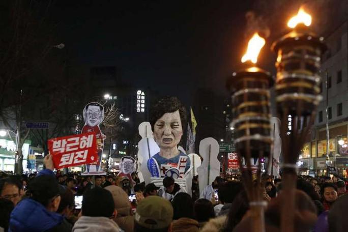 Biểu tình đòi bà Park từ chức ở thủ đô Seoul - Hàn Quốc hôm 3-12. Ảnh: EPA