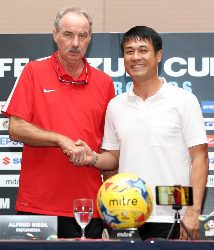 Nhà cầm quân người Khánh Hòa không tin sự am hiểu của HLV Riedl với bóng đá Việt Nam sẽ làm khó cho học trò Hữu Thắng