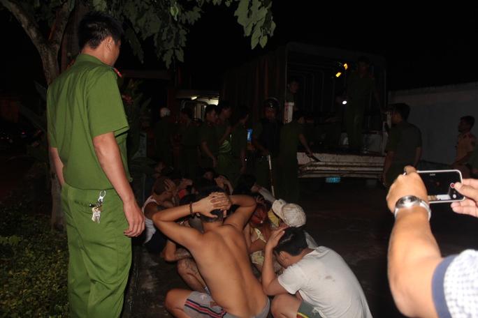 Các học viên được gom về sau khi đã trốn xa hàng km, gây náo loạn trên Quốc lộ 1