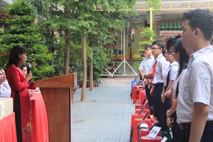 Bộ trưởng Phùng Xuân Nhạ: Giáo án viết bằng tay là rất tốn kém - Ảnh 1.