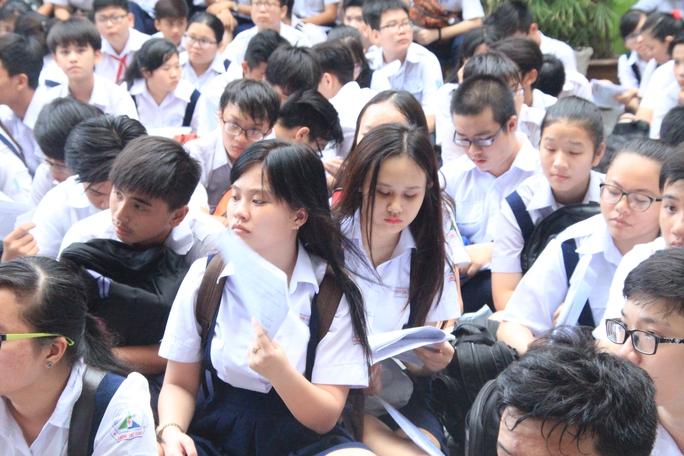 TP HCM: Công bố học sinh được tuyển thẳng vào lớp 10 công lập từ 21-5 - Ảnh 1.