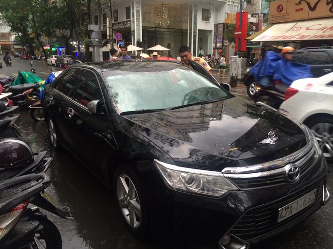 Chiếc xe Camry bị tạm giữ và đang làm thủ tục trả lại chủ sở hữu.