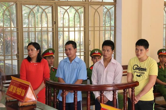 4 bị cáo tại phiên tòa sáng 18-11