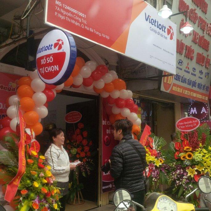 Một trong 100 điểm bán vé số điện toán Vietlott đã chính thức mở cửa tại Hà Nội