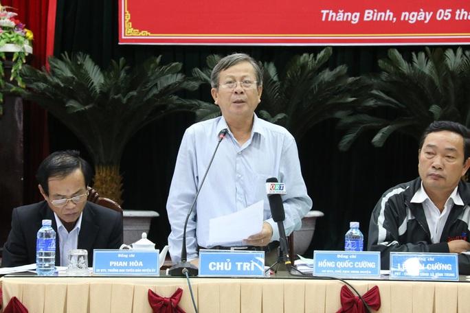 Ông Hùng Quốc Cường, Chủ tịch UBND huyện Thăng Bình chủ trì buổi họp báo