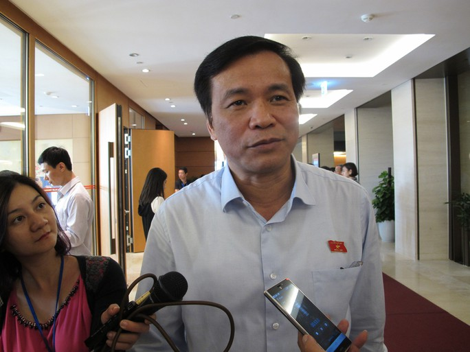 Tổng Thư ký Quốc hội Nguyễn Hạnh Phúc trả lời báo chí sáng 18-11
